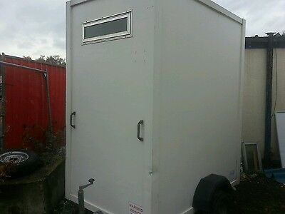 Single toilet trailer for weekend events ***£60 weekend hire ***