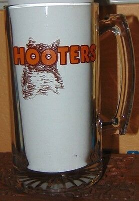 Hooters Large Glass Beer Mug ~~ Great Condition!! 24 Oz!!
