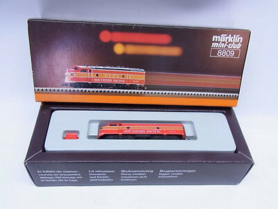Marklin Z Gauge EMD F7 'Southern Pacific' 8809 Locomotive
