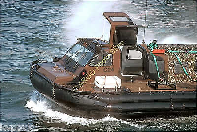 b090 hovercraft LCACL landing craft Royal Marines military boat photo