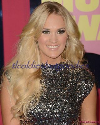 Carrie Underwood Long Hair Silver Sequins Blonde Country Singer Photo #_0070