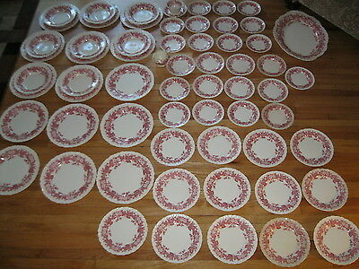 76Pc Wedgwood China Set Bramble Of Etruria Red Strawberry 76 Piece Lot - England