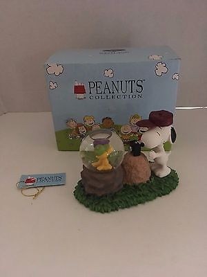 Westland Giftware Peanuts Snoopy Camera and Woodstock Figurine Water Globe #8232