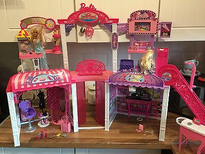 barbie doll malibu ave shopping mall playset With Dolls & Extras