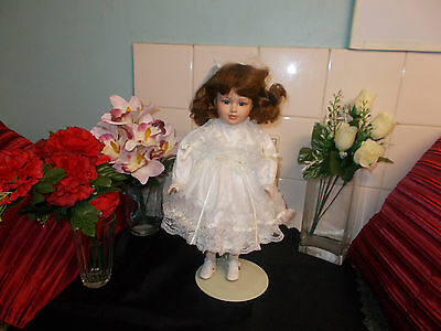 Unmarked Sweet *alison*16Inch Limited Fine Bisque Porcelain Collectors Doll.