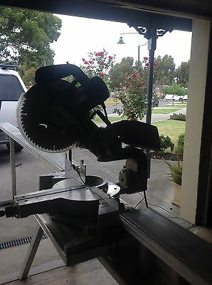 Makita Mitre Drop Saw