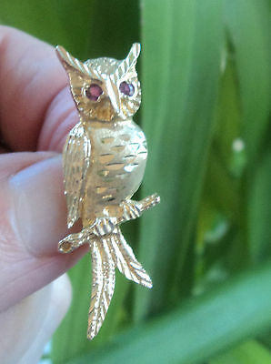 SUPER Vintage  9ct Yellow Gold Owl Brooch /  Pin  c.1980/90s Ruby Eyes