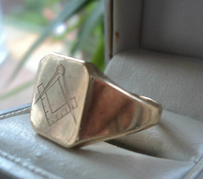 Vintage 9ct Yellow Gold Masonic Ring h/m  1979  - NOT PLATED  -  size R / S