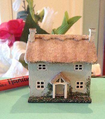 144th, micro, Thatched cottage with garden, dolls house