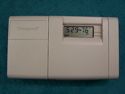 """Honeywell CT3200A1001 5-2 day Programable Thermostat """"Beige"""" CT3200"""