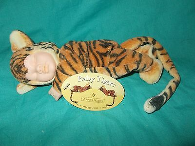 Anne Geddes Baby Tigers 2000 bean plush (310-3097)
