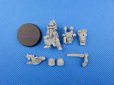 SPACE MARINE APOTHECARY SET part 2