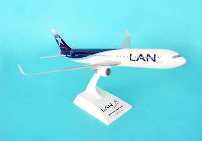 SKR544 SkyMarks B767-300 With Gear - LAN (Snap Together) 1:150 scale