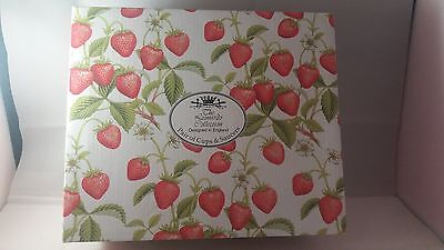 Leonardo Collection Strawberry Boxed Cups and Saucers