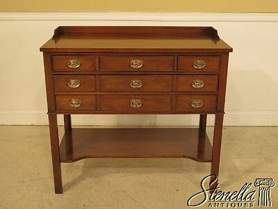 41373E:  Brown Mahogany 5 Drawer Server Or Foyer Chest