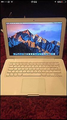 Apple MacBook 13.3 2010, 2.4ghz, 4GB ram, Nvida GeForce 320m Graphics.