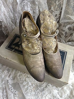 Beautiful 1920s Silver Tinsel Lame Shoes With Original Shoe Box Lotus & Delta