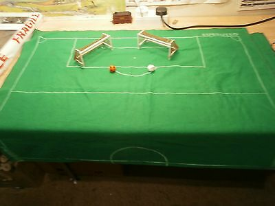 Subbuteo Pitch In Very Good Condition With Two Goals And 2 Balls