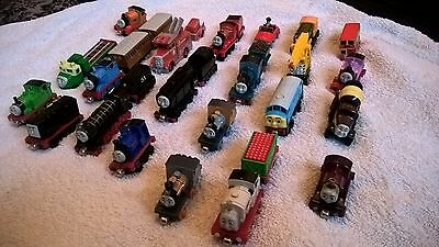 Thomas Take n Play die cast bundle set x 31 items