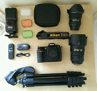 Nikon d300s DSLR with 17-55 & 11-16 f/2.8 lens & flash complete kit with extras