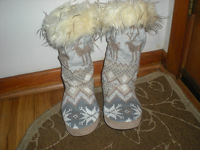 Muk Luks Sweater Slipper Boots with Fur Trim - Size L  8-9