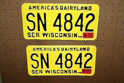 Pair - 1980 - Wisconsin - Sn 4842 - License Plates - With 1986 Stickers