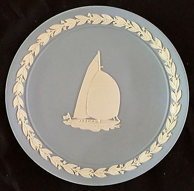 """WEDGWOOD BLUE JASPER WARE COMMEMORATIVE PLATE """"America's Cup Defence"""""""