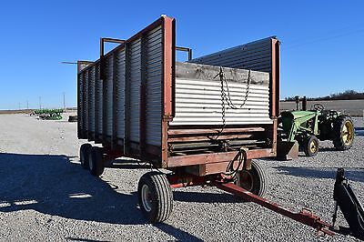 Miller Pro 4100 Silage Forage Wagon