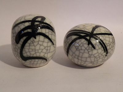 rqz13 ASIAN CRACKLE GLAZE POTTERY LARGE SALT & PEPPER