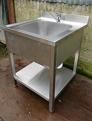 Solid Stainless Steel Catering Sink with Adjustable Feet (70cm x 70cm x 96cm)