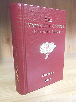 Yorkshire County Cricket Club Yearbook 2007 - Signed by Darren Gough (Captain)