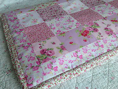 Sweet Floral Blossoms 100% Cotton Baby girl cot quilt blanket gift 98x94 cm NEW