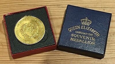 1953 UK QUEEN ELIZABETH 18 ct GOLD PLATED CORONATION MEDAL WITH ORIGINAL CASE