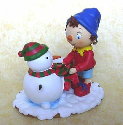 AN ENID BLYTON , NODDY BUILDS A SNOWMAN by ELGATE BOXED
