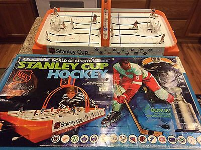 Coleco Table Hockey Game NHL 1972 Model 5380 Stanley Cup Hockey