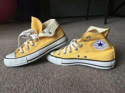 Used: Women's classic yellow converse shoes size 6