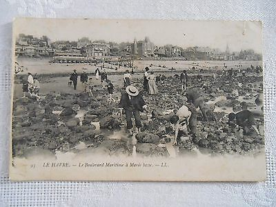 c1906 Vintage FRENCH Postcard LE HAVRE FRANCE BEACH SEASIDE FIGURES ARCHITECTURE