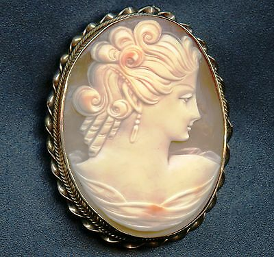 10K Gold Vintage Cameo Pin / Pendant With Lady ( 17.6 Grams 55 mm x 44 mm )