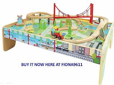 CAROUSEL LARGE WOODEN CITY TRAIN TABLE with 56 PIECE TRACK & TRAIN SET *BNIB*