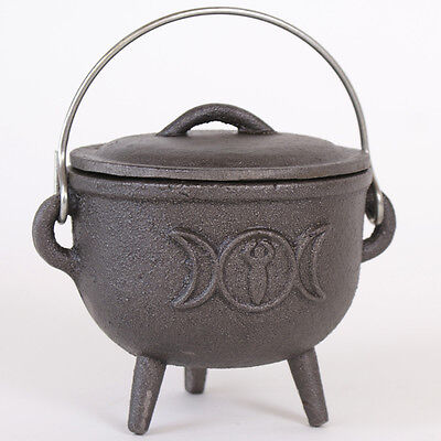 cast iron cauldron with triple moon design 12cm tall wiccan,pagan,witch CO_29302