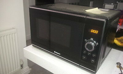 Black Hotpoint Microwave, 20L, 800W, Used
