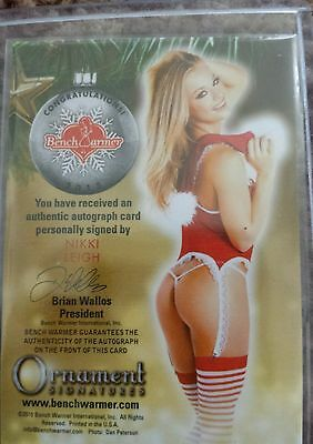 Playboy Benchwarmer Holiday Orniment Nikki Leigh Gold Autograph Card