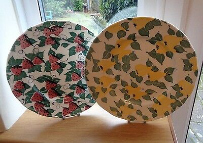 "2 x GRINDLEY GARDEN FRUITS 1  STRAWBERRIES 1 PEARS - 10"" DINNER PLATES GOOD.CON"