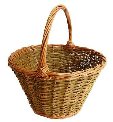 Make this Willow Shopping Basket: a weaving kit for complete beginners.