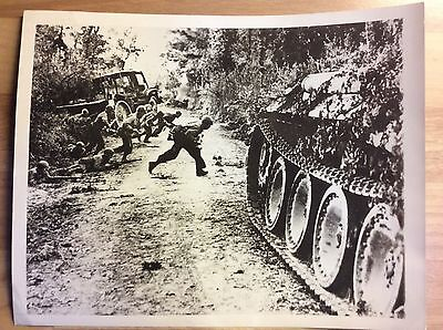 WW2 Original Press Photo 1944 St. Lo, Normandy US Troops wrecked Panther tank