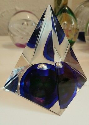 Vintage unusal pyramid shaped paperweight beutiful vibrant colours 9cm high