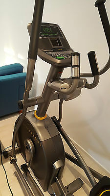 Livestrong Eliptical Cross Trainer (1st CLASS CONDITION - AS NEW - RARELY USED)
