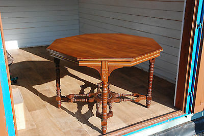 Antique Early Victorian Octagonal Window / Hall / Centre Table in Walnut