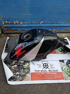 2004-06 Honda CBR125R fuel tank with front cover panel