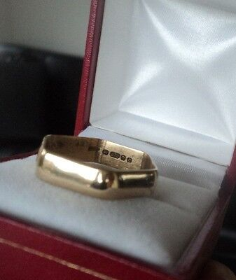 Vintage 9ct Yellow Gold Hexagon Six Sided Wedding Band Ring h/m 1978  -  size V